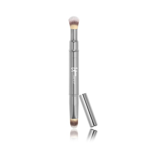 Closeup   heavenlyluxedualairbrushconcealer2 brush web